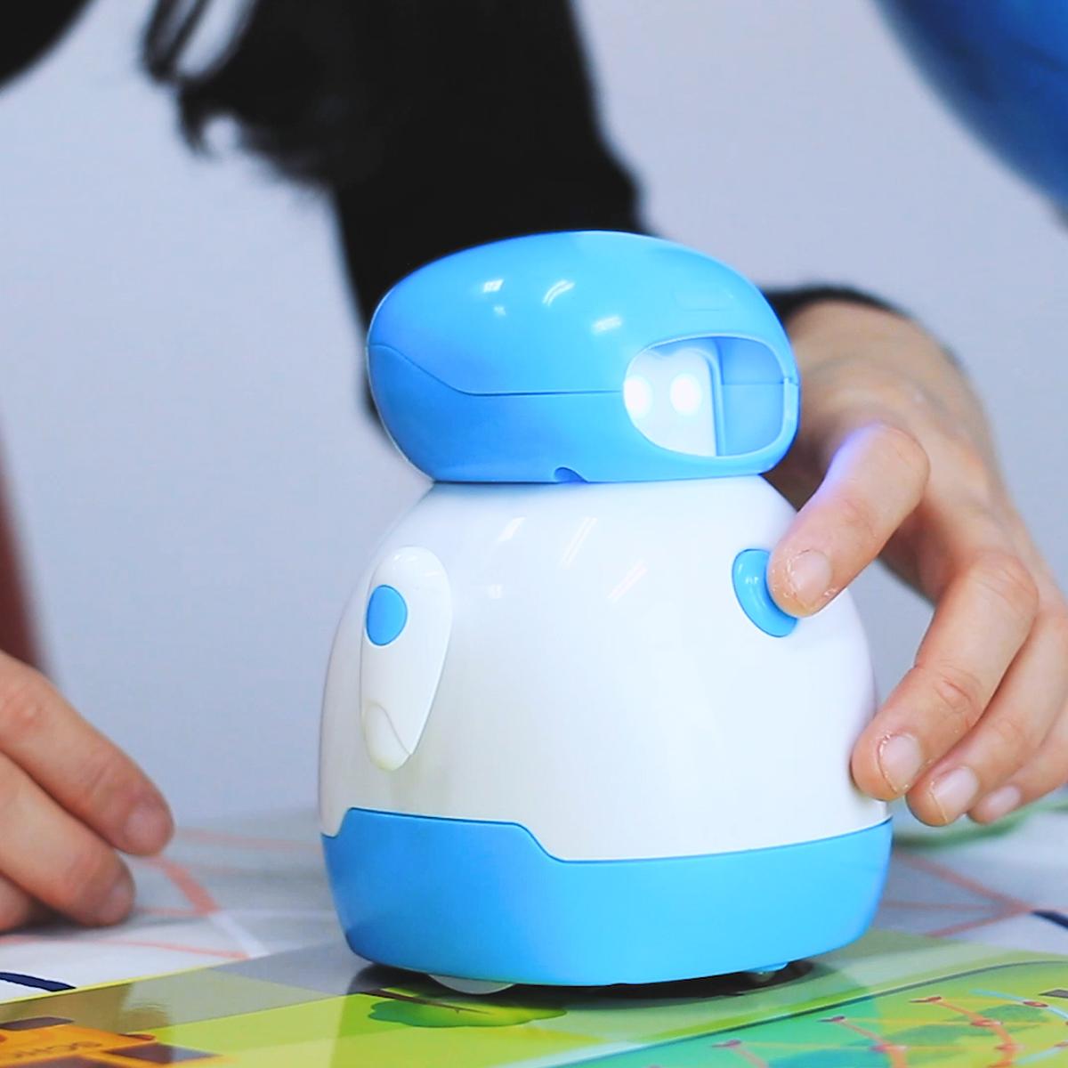 「コーディングロボット クリス」